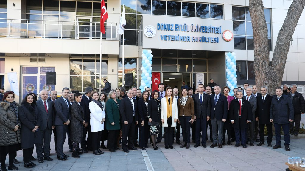 Dokuz Eylül Üniversitesi Veteriner Fakültesi İzmir Kiraz'da açıldı