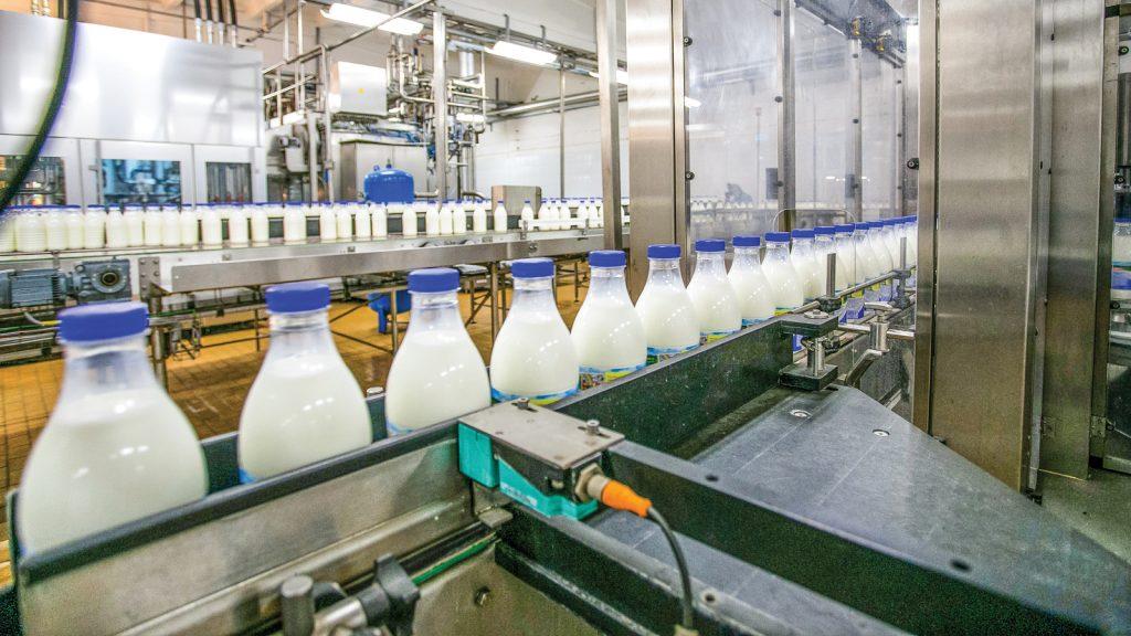 Toplanan inek sütü miktarında bu ay  azalma yaşandı