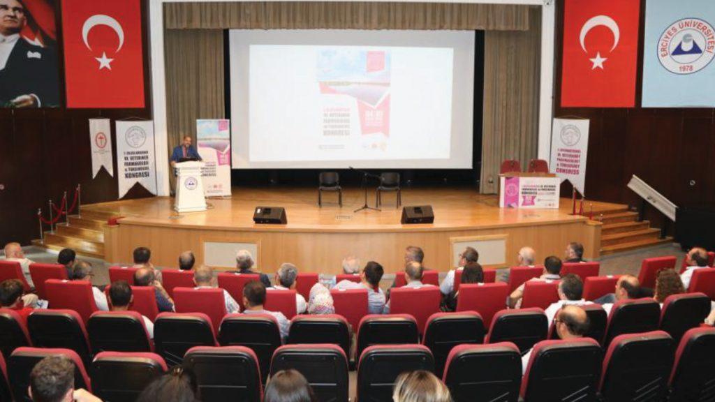 Uluslararası katılımla farmakoloji ve toksikoloji bilgisi güncellendi