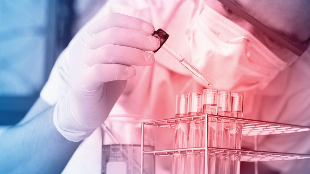 Mikroskop altında antibiyotiklere dirençli bakteri enfeksiyonları